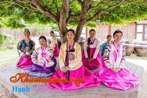 cho-cho-thue-trang-phu-hanbok-o-tphcm-3